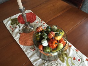 And last, but not least a favorite table runner with pumpkins, and a trifle bowl full of gourds on the dining room table. I wish everyone a very happy and healthy Thanksgiving and hope this will insipe you to bring some autumn into your home!